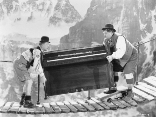 Laurel and Hardy Moving Piano